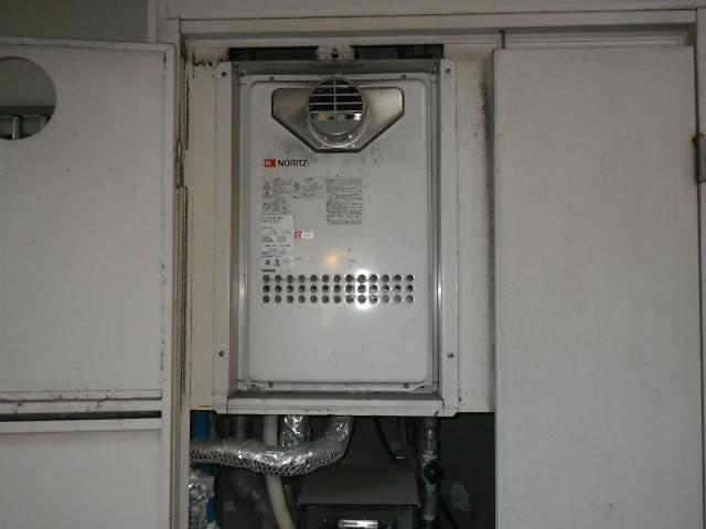 兵庫県 西宮市 マンション ノーリツ 24号 ガス給湯器 高温水供給式 クイックオート PS扉内設置 前方排気 取替交換工事施工
