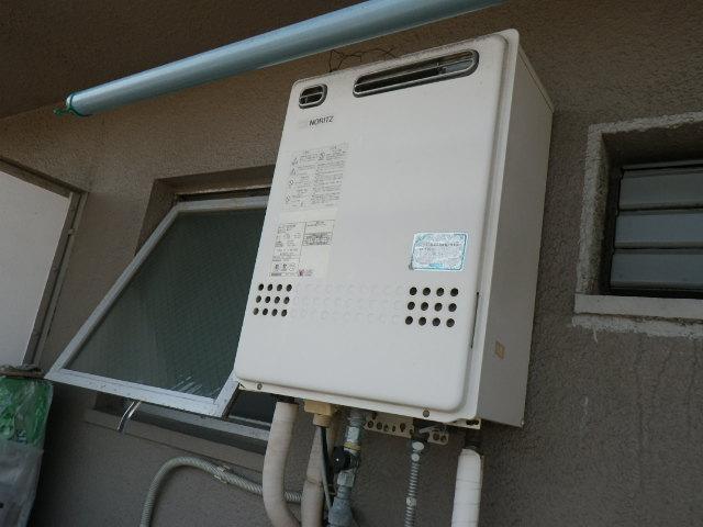 兵庫県 尼崎市元浜町 マンション ノーリツ 16号 ガス風呂給湯器 屋外壁掛型 セミオート 取替交換工事施工