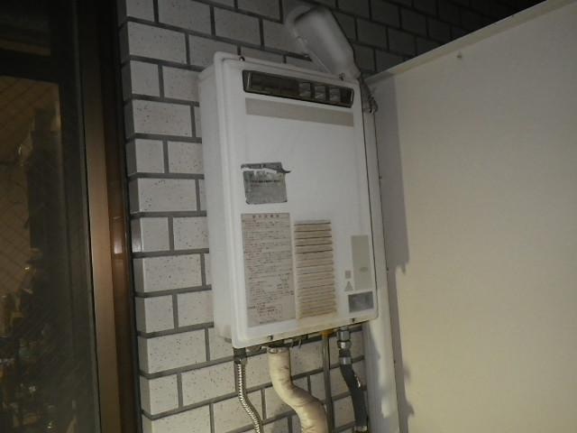兵庫県 神戸市東灘区 御影 マンション ノーリツ 16号 ガス給湯器 屋外壁掛型 取替交換工事施工
