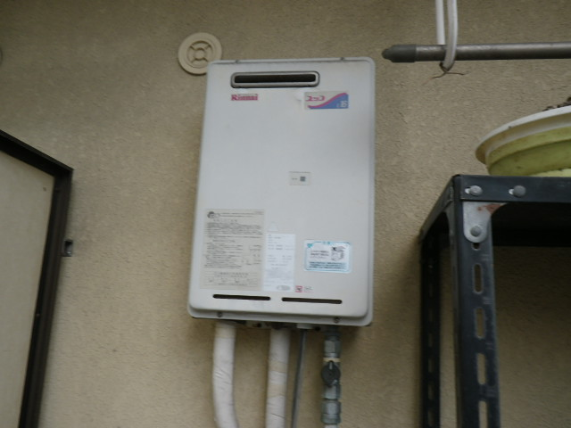 兵庫県 尼崎市 富松町 マンション リンナイ 16号 ガス給湯器 屋外設置型 取替交換工事施工