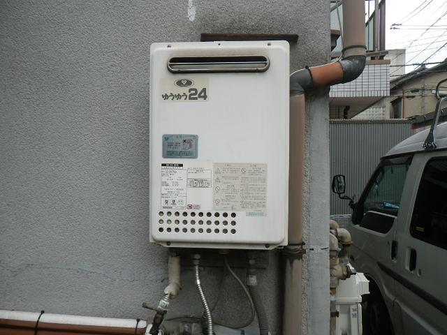 兵庫県 西宮市 上田中町 戸建住宅 リンナイ 20号 ガス給湯器 屋外壁掛型 取替交換工事施工