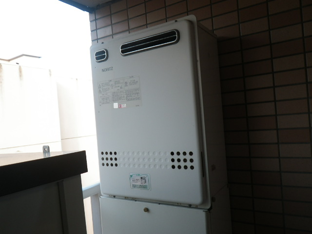 兵庫県 神戸市東灘区 本庄町 マンション ノーリツ 24号 ガスふろ給湯器 屋外設置型 セミオート 取替交換工事施工