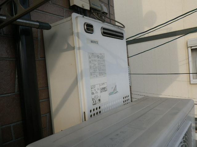 兵庫県 神戸市灘区 灘北通 戸建住宅 ノーリツ 24号 エコジョーズ ガス風呂給湯器 屋外壁掛形 フルオート 取替交換工事施工