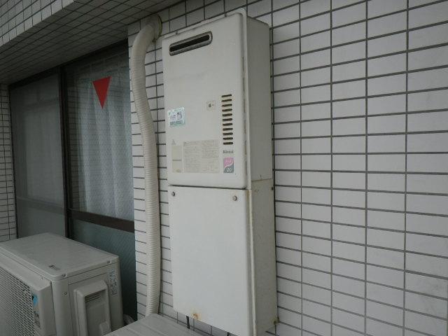 兵庫県 尼崎市 潮江 マンション リンナイ 20号 ガス給湯器 取替交換工事施工 RUX-2000WO-E から RUX-A2010W-E