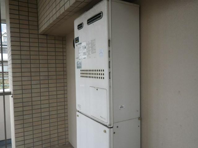 兵庫県 神戸市東灘区 森北町 ワコーレ マンション ノーリツ 24号 ガス給湯器 取替交換工事施工 135-N050A GTH-2434AWX6H から GTH-2444AWX3H-1 BL