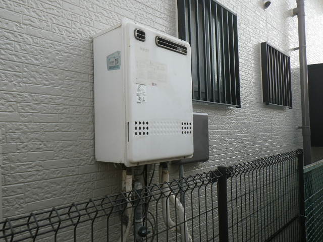 兵庫県 尼崎市 西大物町 戸建住宅 ノーリツ 20号 ガス給湯器 取替交換工事施工 GT-2012SAWX から GT-2050SAWX-2 BL