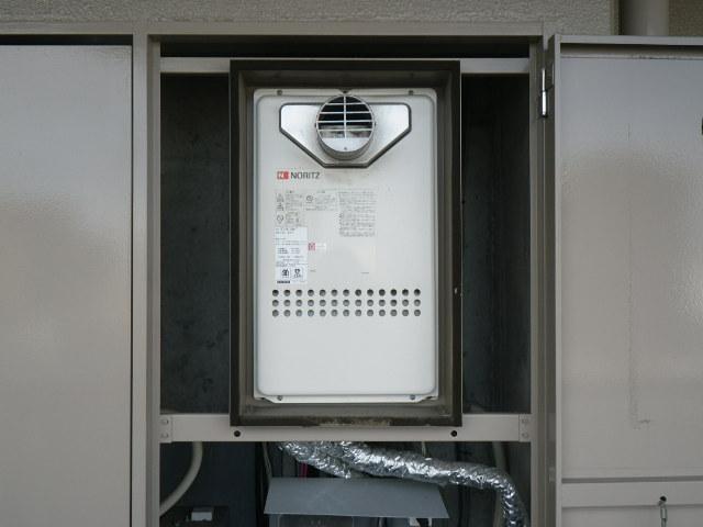 大阪市西淀川区姫里 マンション ノーリツ 24号 ガス給湯器 高温水供給式 取替交換工事施工 GQ-2427AWX-T-DX BL