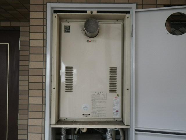 大阪市西淀川区大和田 マンション ノーリツ 24号 ガス給湯器 取替交換工事施工 44-626 から GQ-2427AWX-T-DX BL