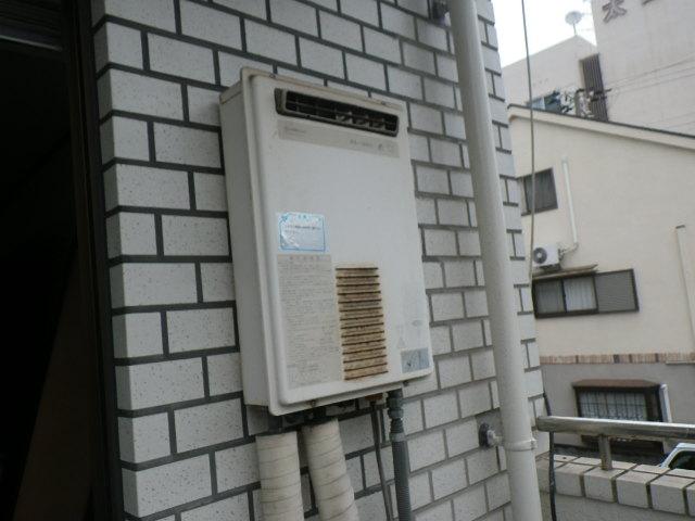 兵庫県神戸市東灘区御影本町 マンション ノーリツ16号ガス給湯器 取替交換工事施工 KS1660 から GQ-1639WS