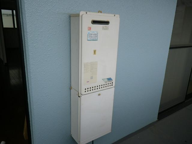 兵庫県尼崎市大庄西町 マンション ノーリツ16号ガス給湯器 取替交換工事施工 GQ-1610WEからGQ-1639WS