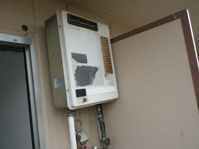 兵庫県西宮市甲子園 マンション ノーリツ16号ガス給湯器 取替交換工事施工 RGH1600NBからGQ-1639WS