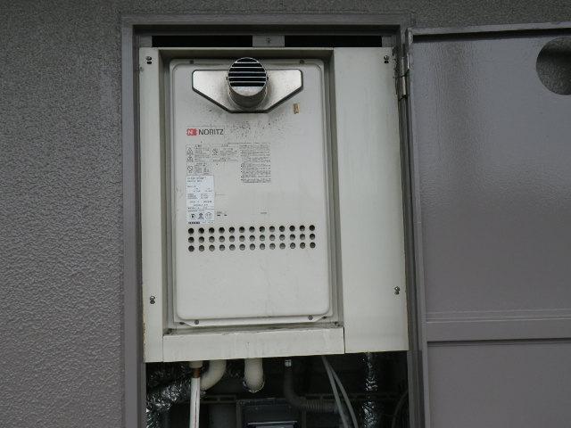 兵庫県 西宮市小松西町 マンション ノーリツ16号ガス給湯器 高温差し湯 取替交換工事施工 GQ-1613AW-T から GQ-1627AWX-T-DX BL