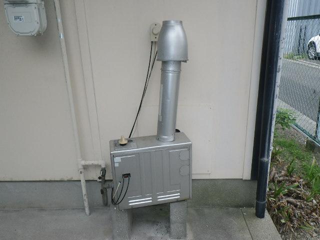 大阪府堺市西区 ハイツ ノーリツ ガス風呂釜 電池点火式 取替交換工事施工 GSY-132D