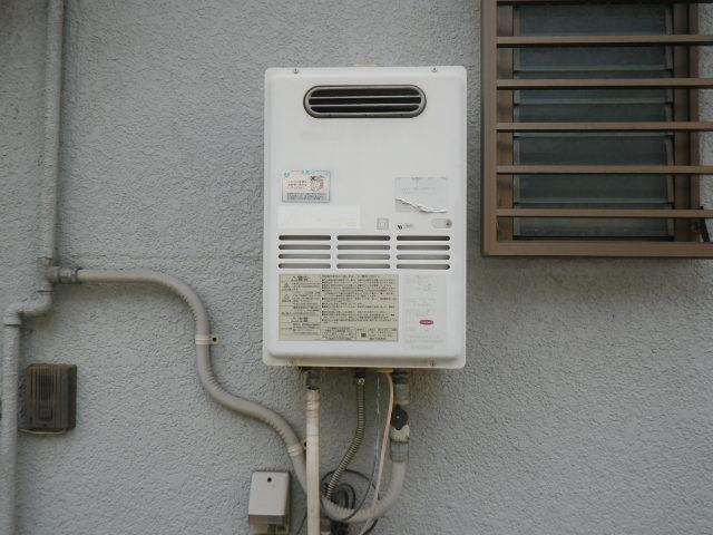 兵庫県西宮市甲東園 戸建住宅 ノーリツ 16号 ガス給湯器 取替交換工事施工 RGH-16CF3S から GQ-1639WS