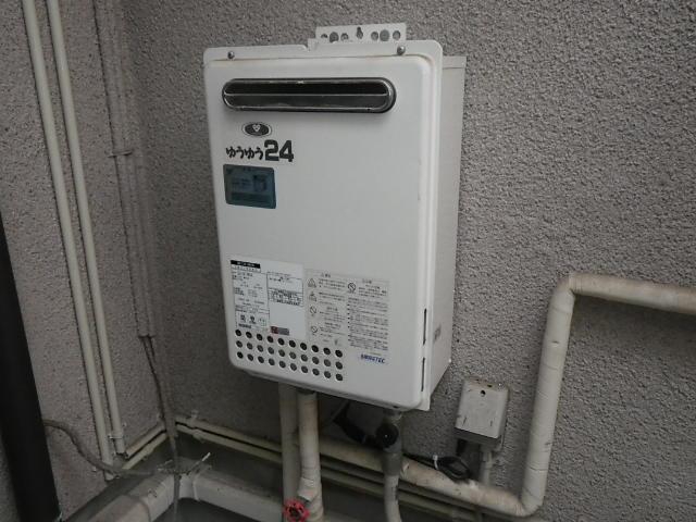 兵庫県川西市萩原台西 戸建住宅 ノーリツ 24号ガス給湯器 取替交換工事施工 133-0070 から GQ-2437WS