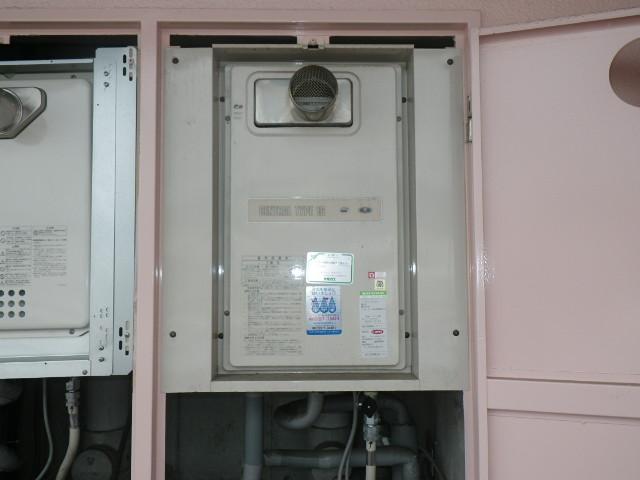 兵庫県神戸市東灘区深江北町 マンション ノーリツ16号 ガス給湯器 取替交換工事施工 33-432A から GQ-1637WS-T