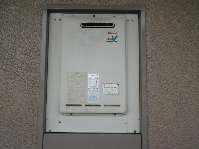 兵庫県神戸市灘区原田通 マンション ノーリツ16号ガス給湯器 取替交換工事施工 RUX-V1611W-EからGQ-1639WS