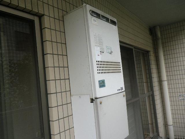 兵庫県芦屋市平田町マンション ノーリツ24号 ガスふろ給湯器 取替交換工事施工 31-261 から GT-2460AWX BL