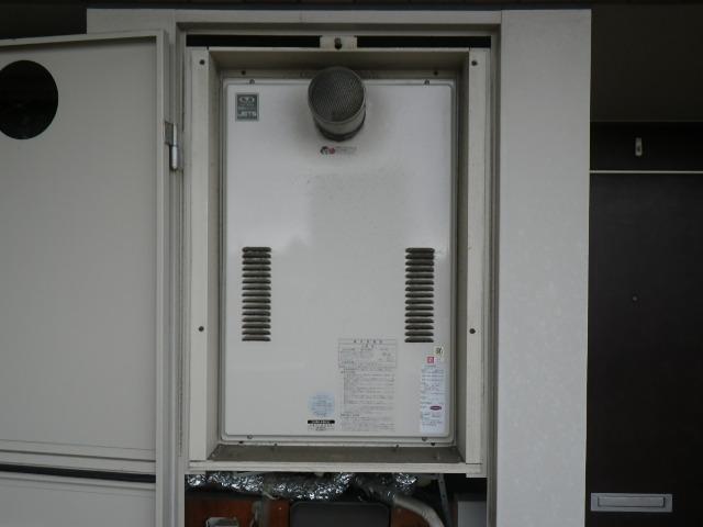 大阪府大阪市都島区マンション ノーリツ24号ガス給湯器 高温水供給式 取替交換工事施工 44-626 から GQ-2427AWX-T-DX BL