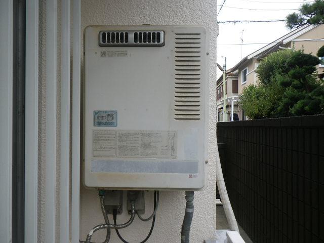 兵庫県尼崎市塚口本町マンション ノーリツ16号ガス給湯器 取替交換工事施工 GQ-1600WS から GQ-1639WS