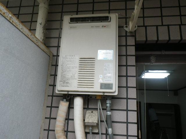 兵庫県神戸市兵庫区湊川町マンション ノーリツ16号ガス給湯器 取替交換工事施工 KS-1660から GQ-1639WS
