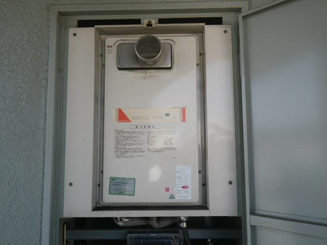 兵庫県伊丹市御願塚 マンション ノーリツ16号 ガス給湯器 取替交換工事施工 YS1620RG から GQ-1637WS-T