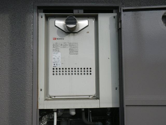 兵庫県 伊丹市大野 マンション ノーリツ16号 ガス給湯器 取替交換工事施工 GQ-1613AW-T から GQ-1627AWX-T-DX BL