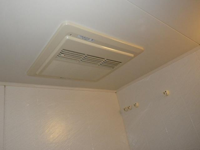 大阪府吹田市 マンション リンナイ 浴室暖房乾燥機 カワック 取替交換工事施工 49-846 から RBH-C418K1P