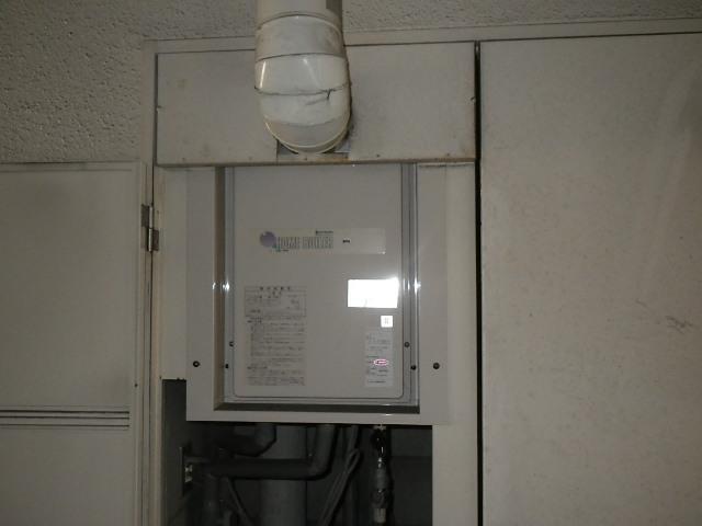 兵庫県神戸市兵庫区中道通 マンション ノーリツ 16号ガス給湯器 取替交換工事施工 KS-163LQH から GQ-1637WS-C