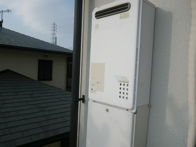 兵庫県神戸市西区二つ屋 ハイツ ノーリツ20号ガス給湯器 取替交換工事施工 GQ-2020AW から GQ-2027AWX-DX BL