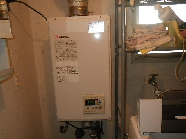 兵庫県尼崎市栗山町 マンション ノーリツ16号ガス給湯器 取替交換工事施工 GQ-1623WA-FFA から GQ-1637WS-FFA