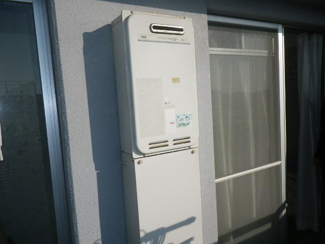兵庫県西宮市東鳴尾町 マンション ノーリツ16号ガス給湯器 高温水供給式 取替交換工事施工 31-664 から GQ-1627AWX-DX BL