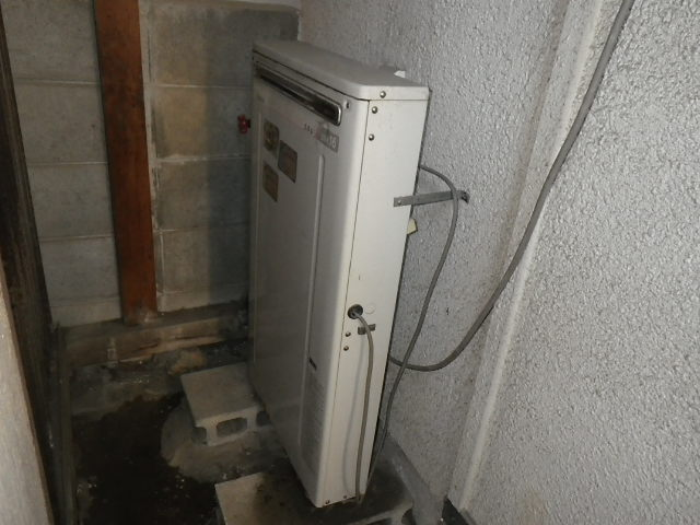 兵庫県伊丹市伊丹 戸建住宅 ノーリツ16号ガスふろ給湯器 取替交換工事施工 RFS-1610 から GT-1660SAEWX