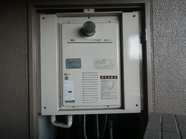 兵庫県尼崎市若王寺マンション ノーリツ16号ガス給湯器 高温水供給式 取替交換工事施工 31-772 から GQ-1627AWX-T-DX BL
