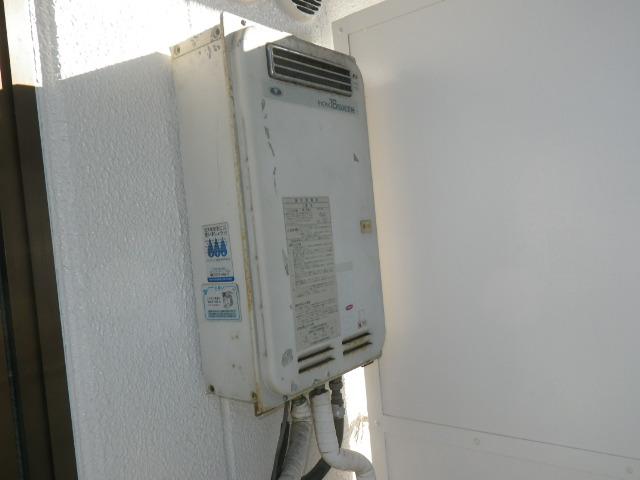 兵庫県西宮市津門呉羽町 マンション ノーリツ16号ガス給湯器 取替交換工事施工 33-390 から GQ-1639WS