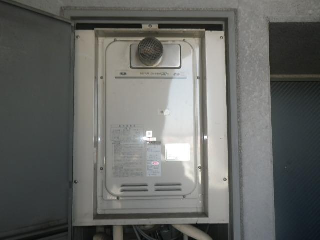 兵庫県尼崎市久々知西町 マンション ノーリツ16号ガス給湯器 高温水供給式 取替交換工事施工 31-666 から GQ-1627AWX-T-DX BL