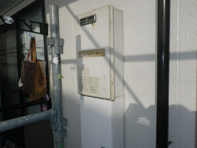 兵庫県神戸市灘区高羽町 ハイツ ノーリツ16号 ガス給湯器 取替交換工事施工 KS1680LBH から GQ1639WS