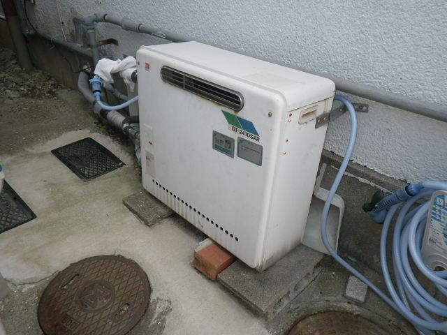 兵庫県尼崎市大島 戸建住宅 リンナイ ガスふろ給湯器 据置き型 取替交換工事施工 GT-2410SAR から RUF-A1610SAG(A)