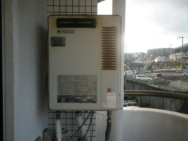兵庫県西宮市獅子ケ口町マンション ノーリツ16号ガス給湯器 取替交換工事施工 33-691 から GQ-1639WS