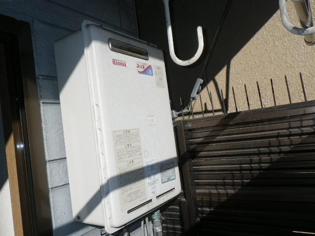 大阪市東成区東小橋マンション ノーリツ16号ガス給湯器 取替交換工事施工 RUX-1616W-E から GQ-1639WS