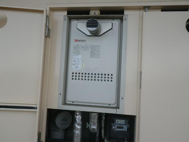 兵庫県西宮市高木東町マンション ノーリツ16号ガス給湯器 取替交換工事施工 GQ-1612WE-T から GQ-1637WS-T