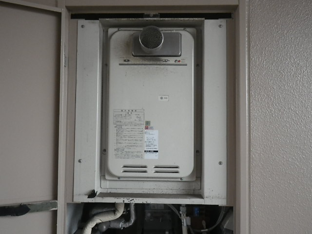 兵庫県西宮市堤町マンション ノーリツ16号ガス給湯器 高温水供給型 取替交換工事施工 31-666 から GQ-1627AWX-T-DX BL