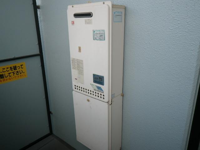兵庫県神戸市東灘区深江南町マンション ノーリツ16号ガス給湯器 取替交換工事施工 GQ-1610WE から GQ-1639WS