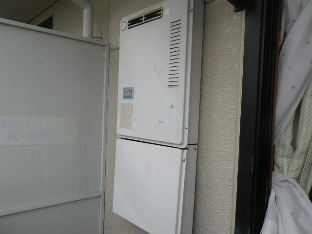 兵庫県西宮市高木東町マンション ノーリツ16号ガス給湯器 取替交換工事施工 KS-1630 から GQ-1639WS