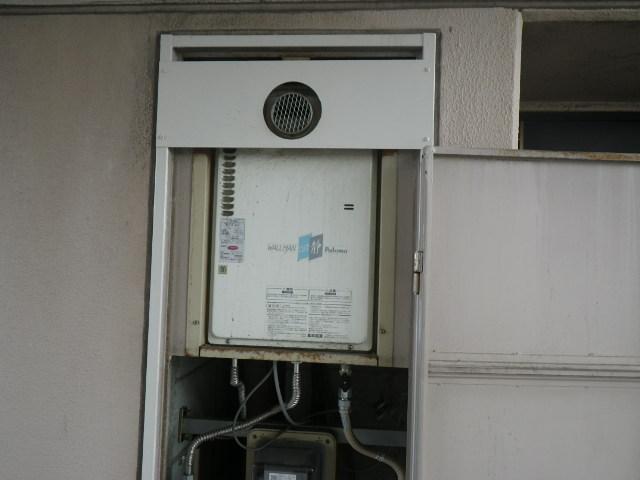 兵庫県尼崎市東難波町マンション パロマ ガス給湯器 取替交換工事施工 PH-16CW3A から GQ-1637WS-T