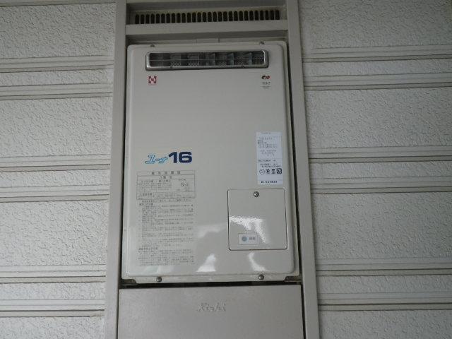兵庫県西宮市桜谷町ハイツ ノーリツ16号ガス給湯器 取替交換工事施工 YS1627R から GQ-1639WS