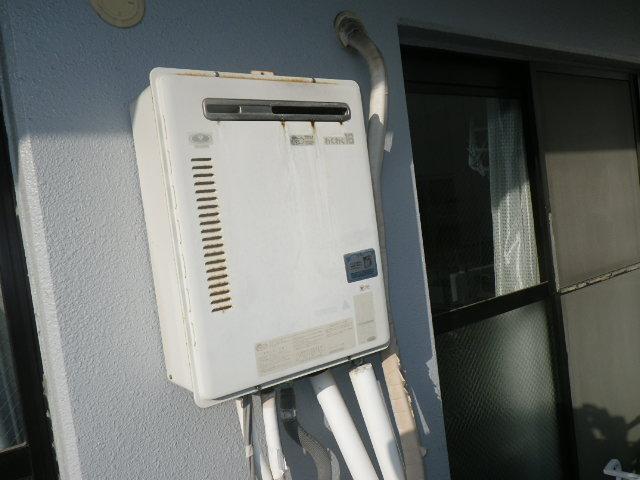 神戸市灘区泉通 マンション リンナイ16号ガス給湯器 取替交換工事施工 31-245 から RUF-A1615SAW(A)