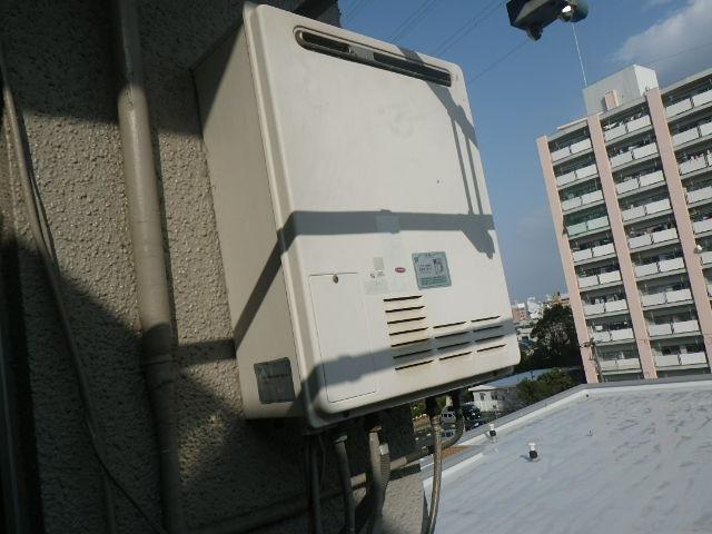 兵庫県川西市清和台 マンション ノーリツ16号ガスふろ給湯器 取替交換工事施工 GJ-S16T1 から GT-1660SAWX BL