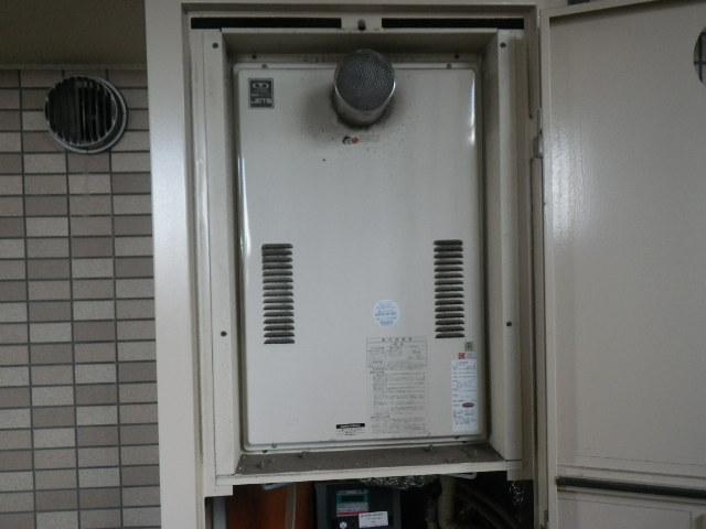 大阪府大東市諸福マンション ノーリツ24号ガス給湯器 高温差し湯 取替交換工事 44-626 から GQ-2427AWX-T-DX BL