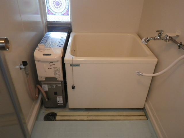 西宮市笠屋町 県住 ハウステック16号カベピタ パックイン浴槽 取替交換工事施工 531-R952 から WF-1612AT
